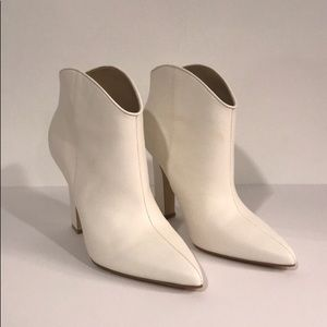 Marc Fisher white booties 7.5